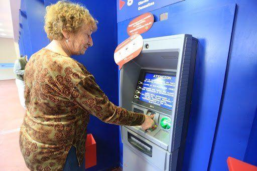 Todos los cajeros automáticos deberán aceptar la huella para operar