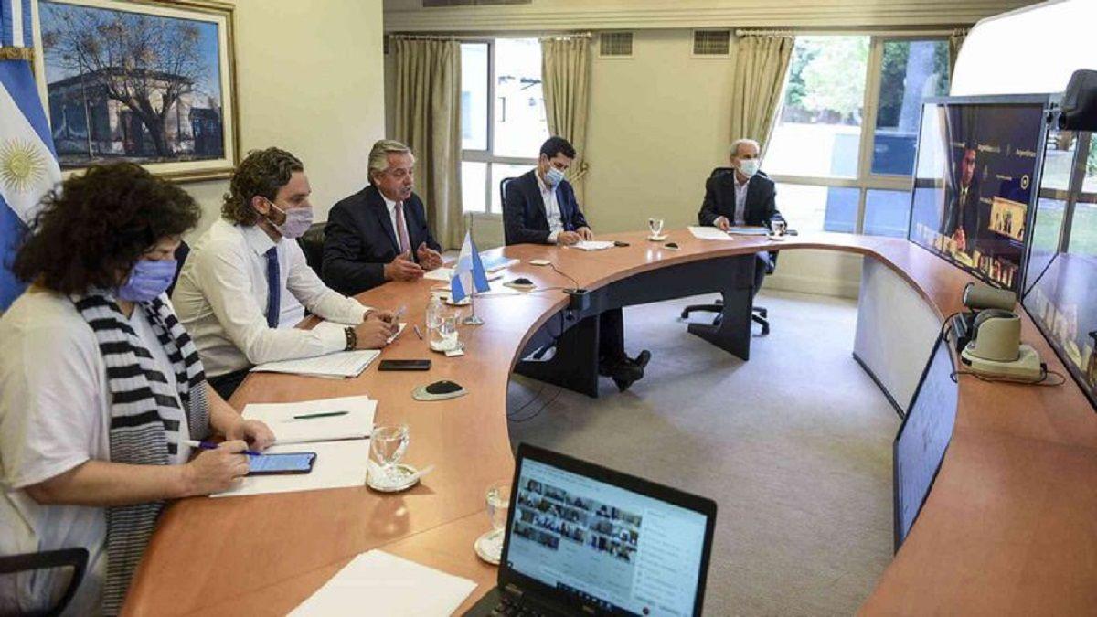 Alberto Fernández en diálogo con los gobernadores.