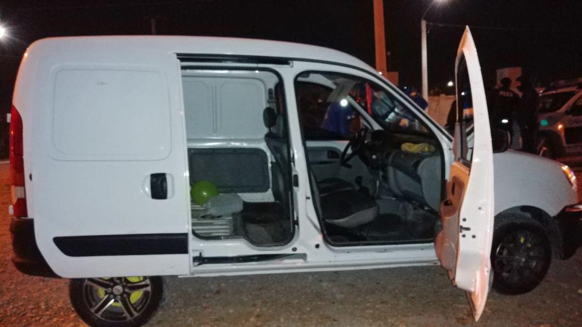 Asaltaron a una familia en Santa Lucía y los detuvieron en otro intento de robo