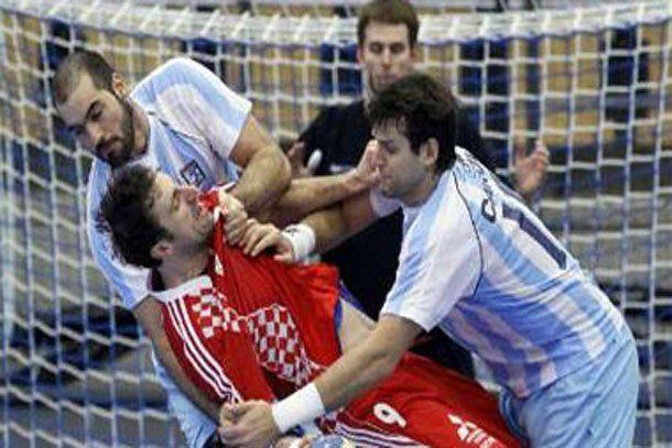 Argentina no pudo con el poderío de Croacia y cayó por un claro 36-18
