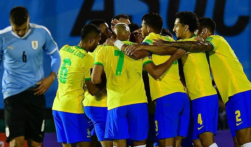 Brasil derrotó a Uruguay en Montevideo.