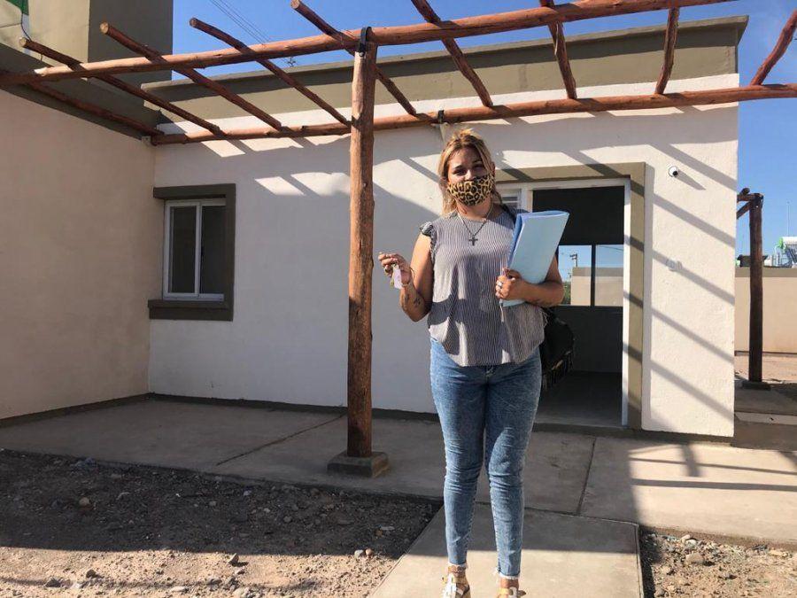 Unas 73 familias recibieron la llave de su nuevo hogar
