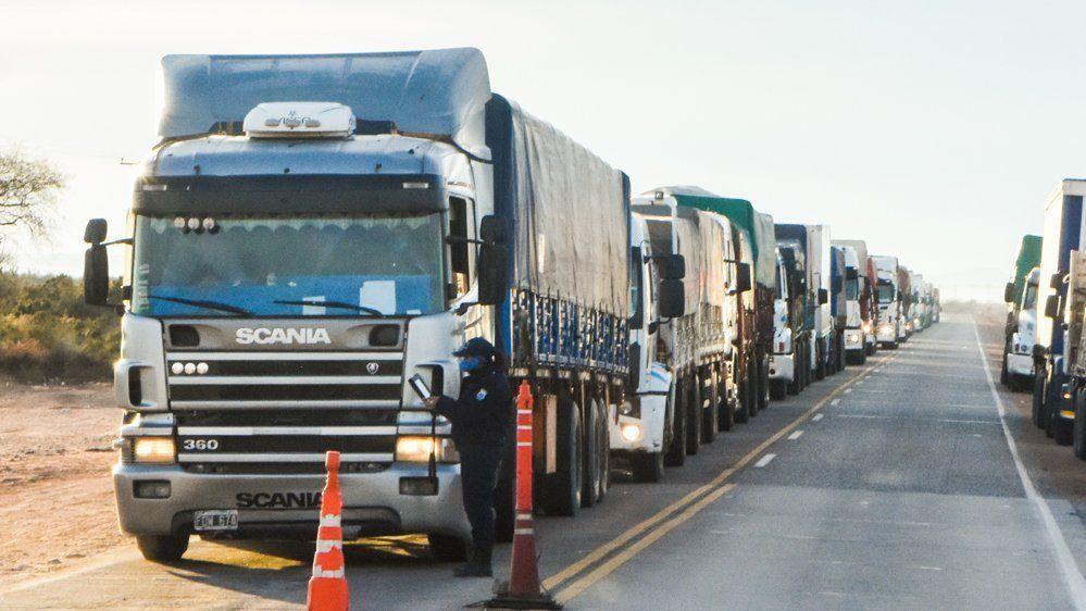 Quieren prioridad para vacunar camioneros que salen del país