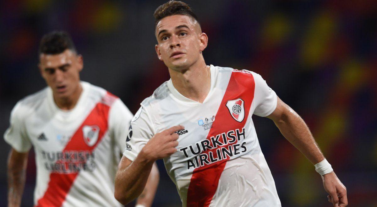 River goleó a Racing y levantó la Supercopa Argentina.